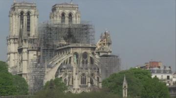 Как трагедията в Нотр Дам преобърна представата за богатите във Франция?