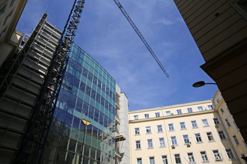 Как ще изглежда новата пленарна зала за българските депутати? Ремонтът