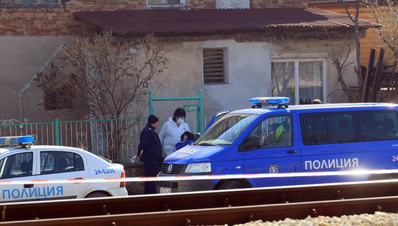 Снимка: Психиатричната експертиза на задържания за убийствата в Нови Искър готова утре