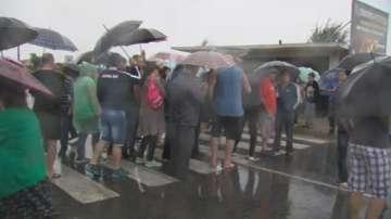 Жители на Ново Лески блокираха пътя към граничния пункт Илинден - Ексохи