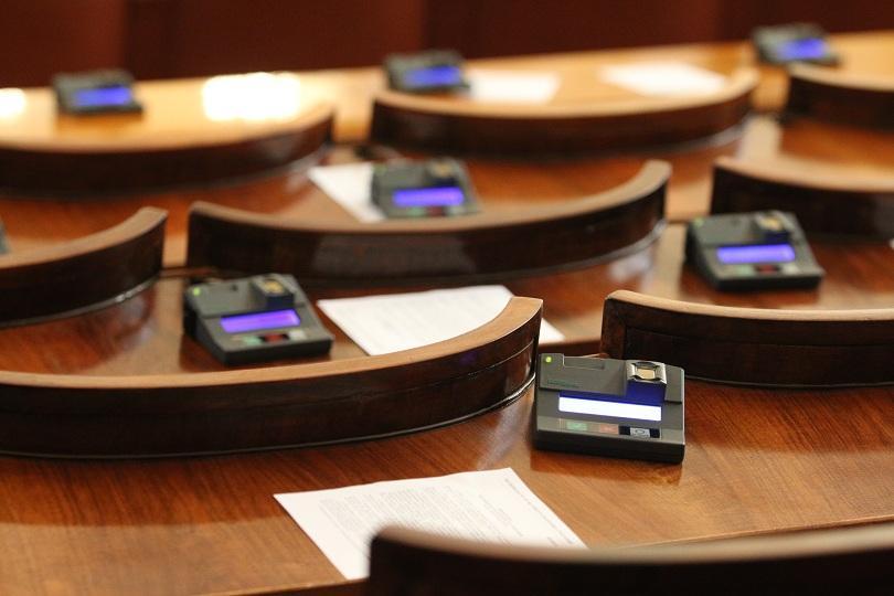 Законът за социалните услуги влиза за първо четене в парламента.