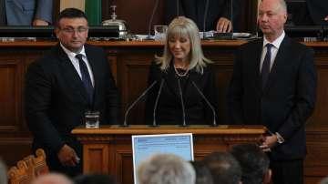 Парламентът гласува оставките в МС и назначенията на новите министри