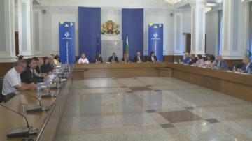 Тристранният съвет ще заседава заради Наредбата за медицинска експертиза