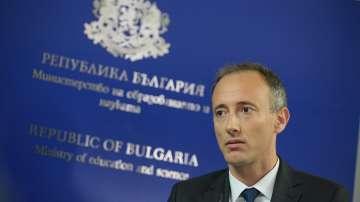Новият министър на образованието обеща двойно увеличение на учителските заплати