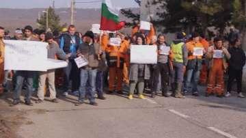Продължава гладната стачка на миньорите от мина Оброчище