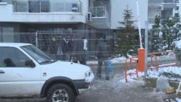 Премахнаха временно оградата, която блокира жилищен комплекс в София