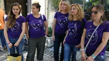 Родители на онкоболни деца протестираха пред здравното министерство