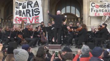 Концерт на открито на Парижката опера като протест срещу пенсионната реформа