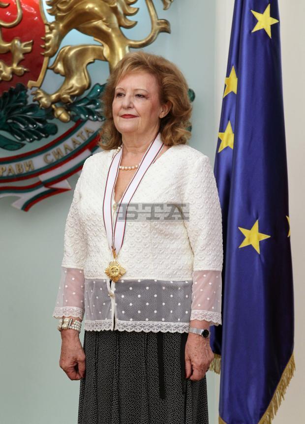 снимка 3 Президентът удостои посланика на Хърватия с орден Мадарски конник първа степен
