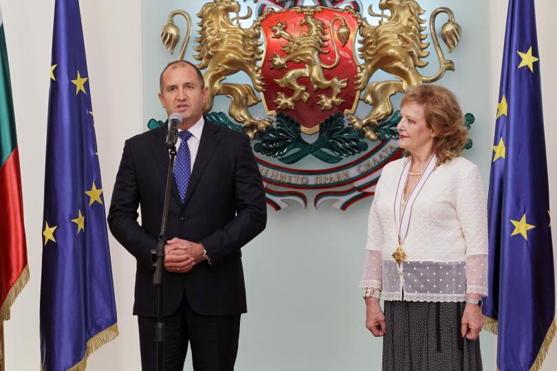 снимка 1 Президентът удостои посланика на Хърватия с орден Мадарски конник първа степен