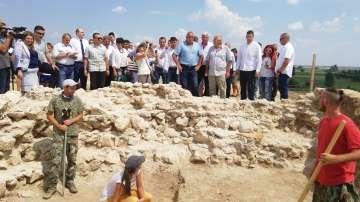 Държавата ще подпомогне  работата по древната гробница в Малтепе