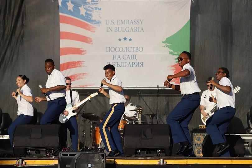 Войнишкият оркестър на САЩ изнесе тази вечер специален концерт в