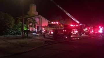 Запалиха джамията на атентатора от Орландо