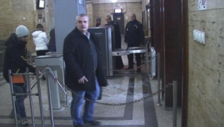 Изпълнителният директор на Врачанската болница Орлин Цветков остава на поста