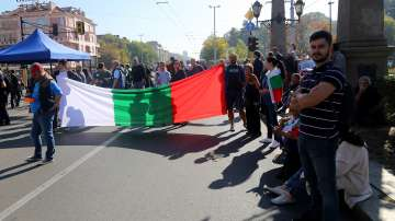 Все още е блокирано движението на Орлов мост от протеста срещу Гешев