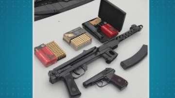 Разбиха престъпна група за разпространение и търговия с оръжие