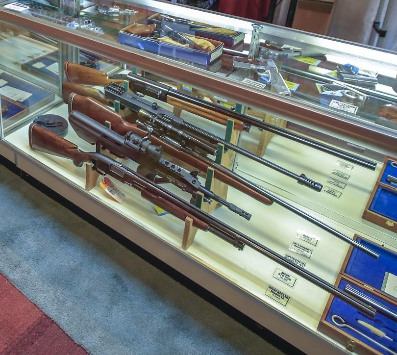 Губернаторът на Охайо затяга правилата за притежание на оръжие