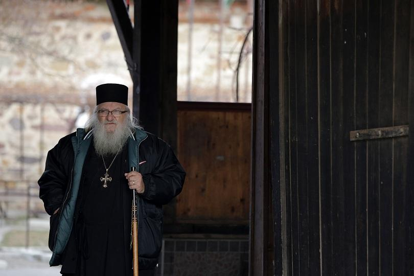Десетки откликнаха на призива на омбудсмана за дарения за дома на отец Иван