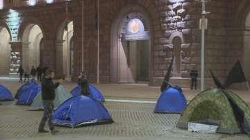 Палатките на протестиращите майки ще останат под прозорците на МС