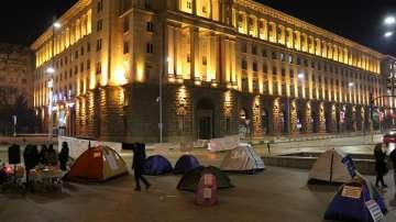 След среща при премиера: Медицинските сестри вдигат палатковия лагер