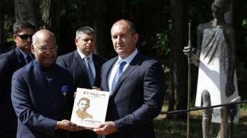 Откриха паметник на Махатма Ганди в София