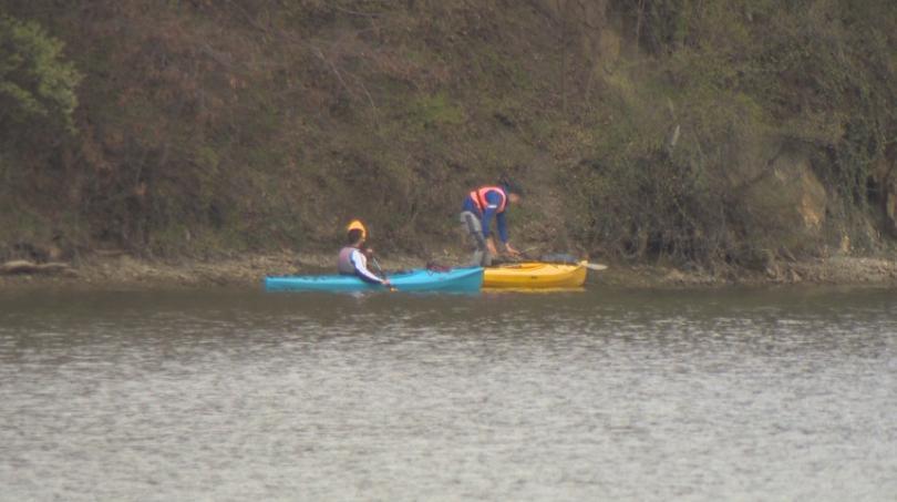 Снимка: Жители на Панчарево и спортисти почистиха езерото и района около него