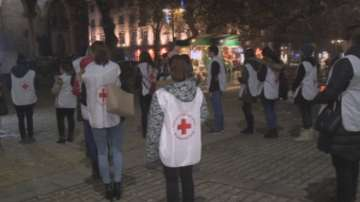 Жива панделка за съпричастност към болните от СПИН