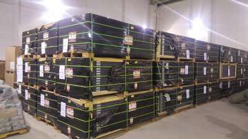 Митниците продават конфискувани слънчеви панели