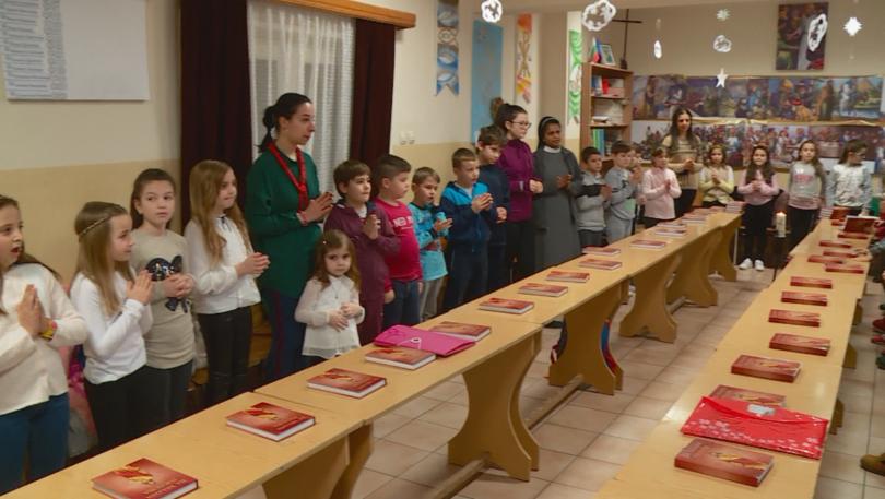 Снимка: Над 40 деца от Раковски се подготвят да приемат първо причастие от папа Франциск