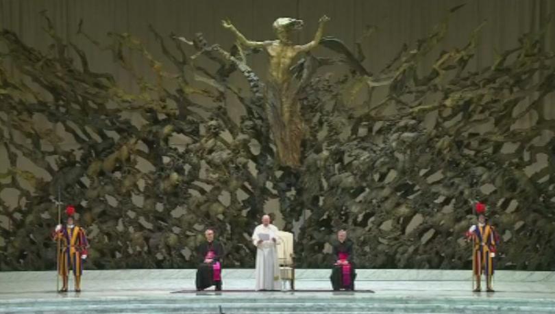 Безпрецедентно папа Франциск назначи жени във важен орган на Ватикана