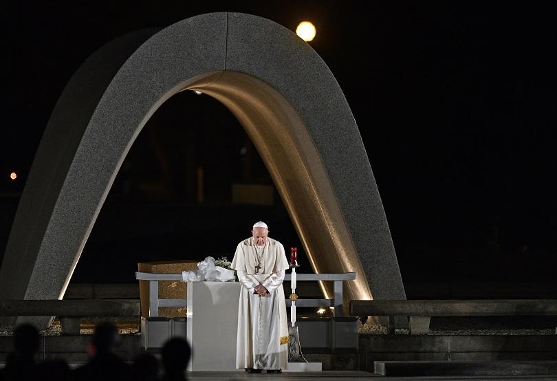 Папа Франциск призова за забрана на ядрените оръжия по време