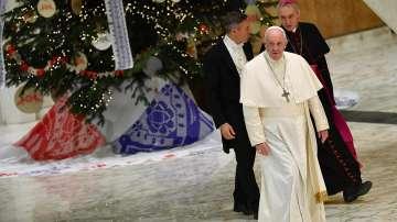 Запалиха светлините на коледното дърво във Ватикана