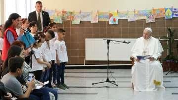 Папа Франциск изрази съпричастност към бежанците от лагера в кв. Враждебна