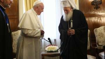 """Папата се срещна с патриарх Неофит и произнесе молитвата """"Царица небесна"""""""