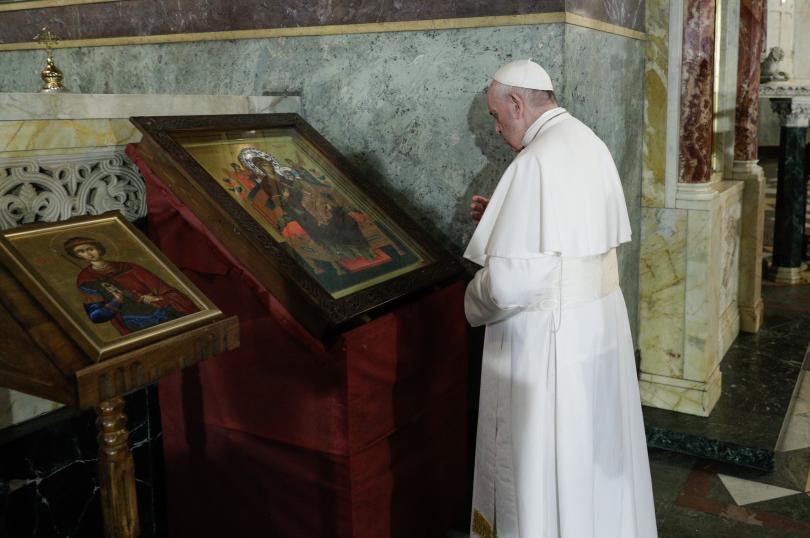 снимка 21 Първият ден от посещението на папа Франциск у нас (СНИМКИ)