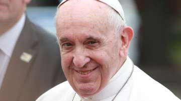 Папа Франциск пристигна в България