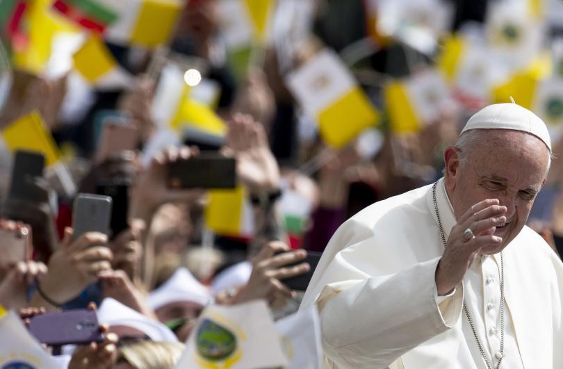 снимка 32 Първият ден от посещението на папа Франциск у нас (СНИМКИ)