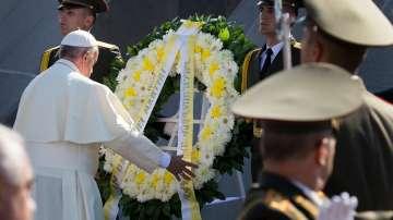 Папата посети мемориала на арменския геноцид в Ереван