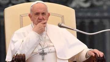 Папата се моли за френските католици и парижаните след пожара в Нотр Дам