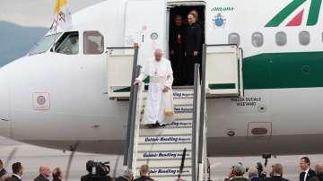 Премиерът Борисов посрещна официално папа Франциск