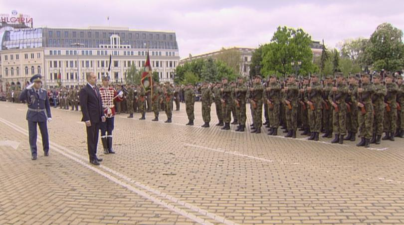 снимка 2 Румен Радев призова политиците да се опират повече на военната експертиза