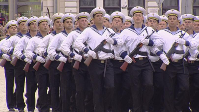 снимка 4 Над 1600 военни участваха във военния парад за Деня на храбростта