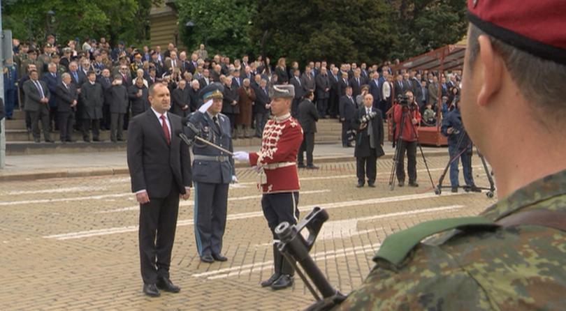 снимка 1 Румен Радев призова политиците да се опират повече на военната експертиза
