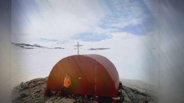 Полярниците ни ще носят светена вода за параклиса на Антарктида