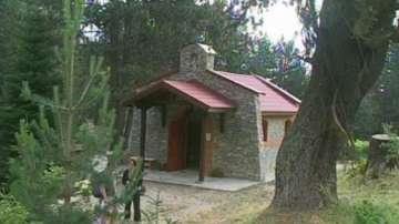 Планинари изградиха параклис до хижа Яворов