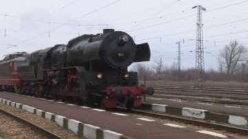 Германски туристи наеха парен локомотив за разходка из България