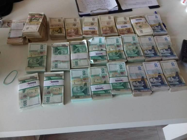 Петима души са обвинени в участие в престъпна група за данъчни престъпления