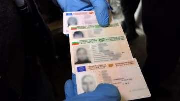 Заловиха престъпна група за производство на фалшиви документи и пари