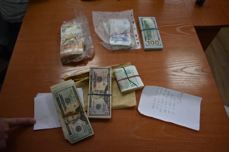 снимка 1 Спецпрокуратурата иззе 427 000 лв. от банкова касета на главния секретар на ДАБЧ