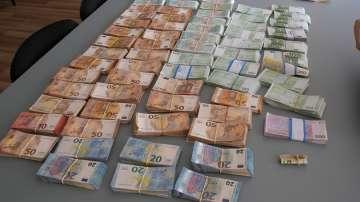 Задържаха четирима души за пране на пари и укриване на данъци в Разград
